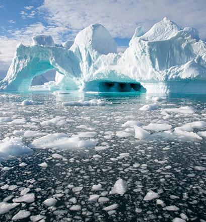 Se confronter aux icebergs grandioses