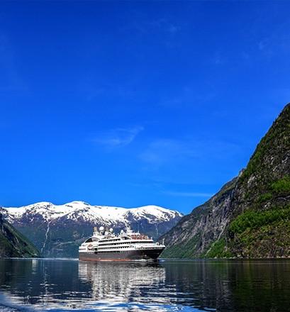Faire un tour de kayak dans le Nordfjord - Norvège