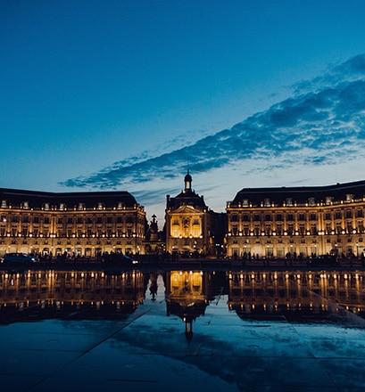 Visit the historic centre of Bordeaux