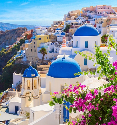 Discover the beauty of Santorini