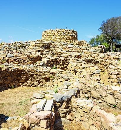 Visiter les tombes des géants à Porto Cervo - Sardaigne