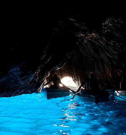 Naviguer le long de la côte apulienne - Pouilles, Italie