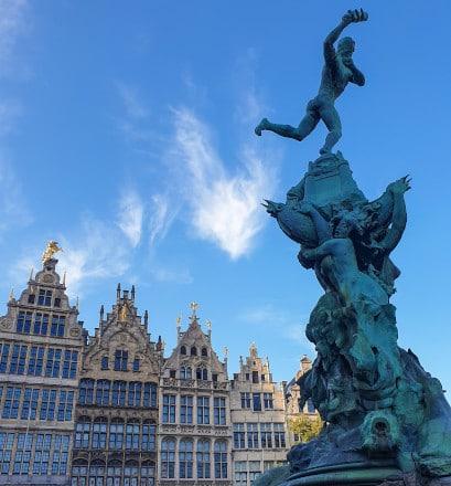 Flâner dans les ruelles de la vieille ville d'Anvers - Belgique